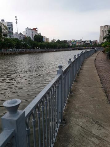 Cho thuê CH dịch vụ khu dân trí cao giá rẻ full nội thất, có ban công, Tân Định, Q. 1. 0918837738