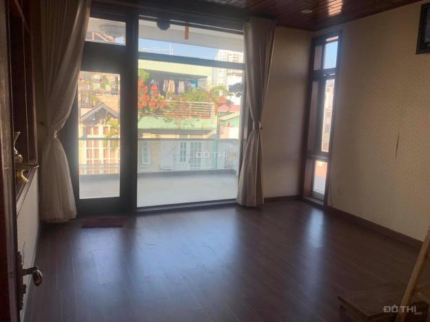 Cho thuê phòng 45m2 đường Huỳnh Văn Bánh, Quận Phú Nhuận
