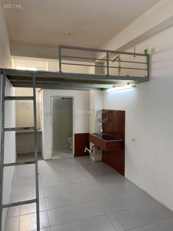 Cho thuê phòng trọ 18m2, có gác hoặc không gác ngay Cộng Hoà, P13, Tân Bình