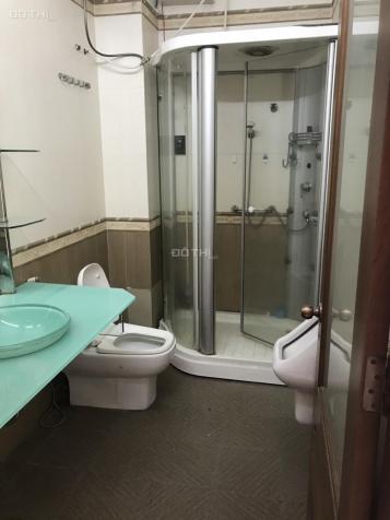 Còn 1 phòng trong nhà nguyên căn MT Nguyễn Sỹ Sách, Tân Bình, rộng 30m2, WC riêng, giá 3tr/th