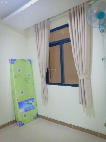 Cho thuê phòng trọ trong CH Era Town giá 2tr/tháng. LH: 0909.448.284 Hiền