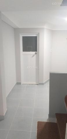 Cho thuê mặt tiền 389 Phan Xích Long, quận Phú Nhuận.