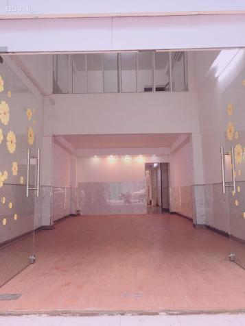 Cho thuê nhà 38 Trần Quý Khoách, Tân Định, Quận 1, 4x18m trệt, lửng, 3 lầu