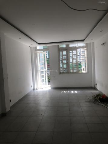 Cho thuê nhà mặt tiền 7A Phạm Đình Toái, quận 3.