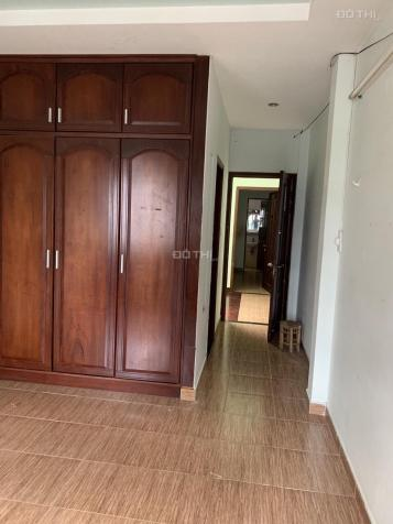 Cho thuê nhà mặt tiền Lê Thị Hồng, phường 17, Q. Gò Vấp. DT 4x20m, 2 lầu, 4PN. Lh: 0909779498