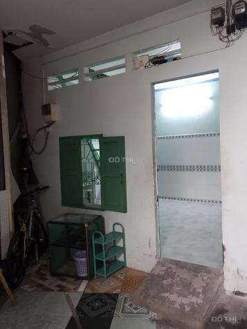 Cho thuê nhà 1 trệt, 1 lầu, DT 36m2 có máy lạnh có ban công giá rẻ LH: Chú Dũng
