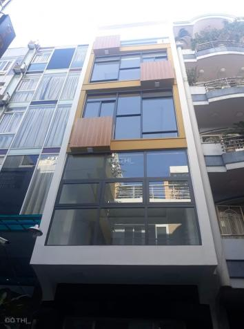 Cho thuê nhà mới 178B Hai Bà Trưng, đối diện chợ Tân Định, quận 3