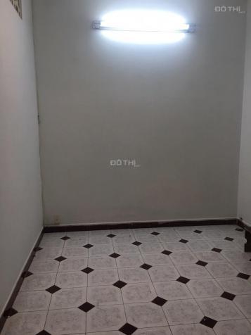 Cho thuê phòng 12m2 ở được 2 người tại 114/1 Bàn Cờ P3 Q3 giá 3tr/tháng (1ng giá 2tr/th)