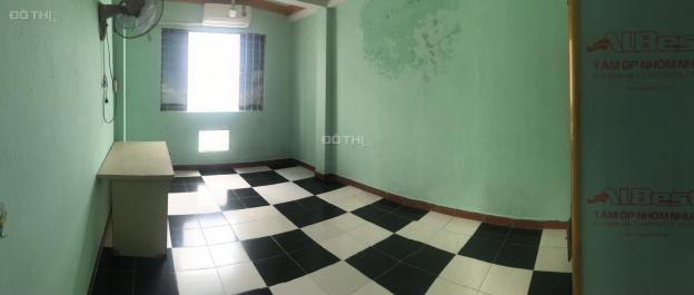 Cho thuê phòng 20m2 wc riêng giờ giấc tự do nhà mặt tiền 31 Trần Bình Trọng P1 Q5 giá 2tr/th
