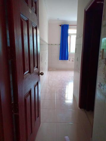 Phòng 25m2 full nội thất, có cửa sổ lớn, bếp WC trong phòng tại B4 khu B Làng ĐH, ra Lotte Q7 - 3km