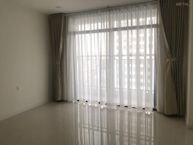 Officetel Central Premium Tạ Quang Bửu Q8, DT 32m2 :rèm, máy lạnh bếp từ , hút mùi 7tr