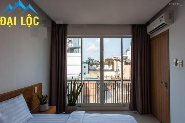 Cho thuê nhà đường Nguyễn Thái Bình, DT 7x27m, 3 lầu, nở hậu, có vỉa hè rộng, thích hợp KD