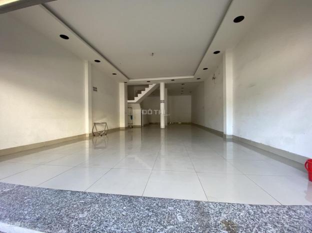 Cho thuê nhà góc 2 MT Nguyễn Hồng Đào, 5x30m, 2 lầu, thích hợp kinh doanh