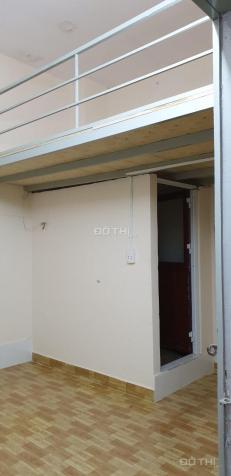 Cho thuê phòng mới có gác lửng mặt tiền Trần Khánh Dư - Q. 1, giá từ 2.8tr/th
