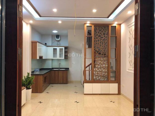 Bán nhà PL cực đẹp DT 35m2 - 5 tầng - MT 4,5m Trung tâm Phố Đội Cấn, Ngọc Hà, Ba Đình. Giá 3,68 tỷ