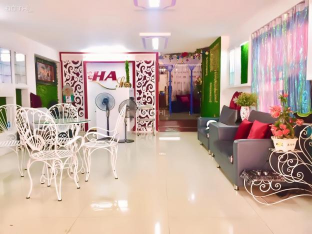 Cần cho thuê gấp căn nhà giá rẻ hẻm lớn đường Yên Thế - khu sân bay