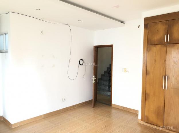 Nhà cho thuê cách đường chính 15m DT: 5,5x12m 3 lầu đường trước nhà 8m tiện ở và văn phòng giá 18tr