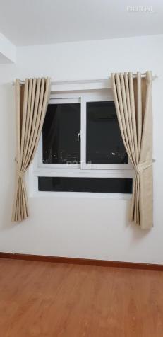 8 tr/tháng. Cọc 1 tháng, cần cho thuê căn hộ Depot Metro Tham Lương (3 PN) có máy lạnh, rèm, quạt
